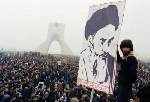 谁来解救伊朗的女性?